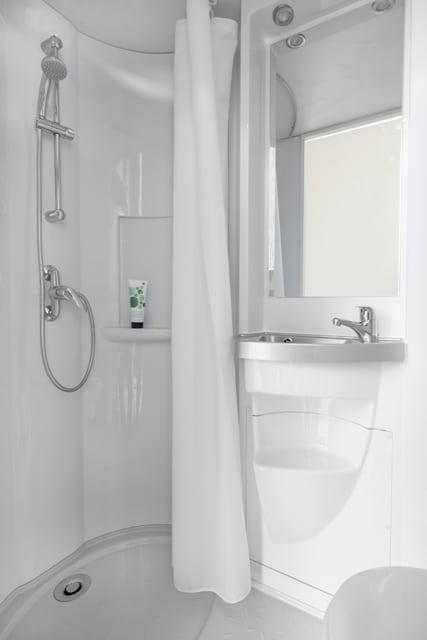 Cr ation salle de bains refaire sa salle de bain - Comment refaire sa salle de bain ...