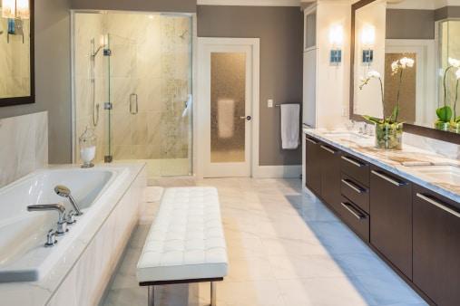 quel luminaire pour ma salle de bain cr ation bain cr ation bain. Black Bedroom Furniture Sets. Home Design Ideas