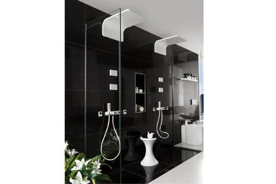 Duo pour la douche à l'italienne noire et blanche@Porcelanosa
