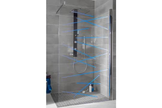Une douche à l'italienne moderne avec ces leds @Lapeyre
