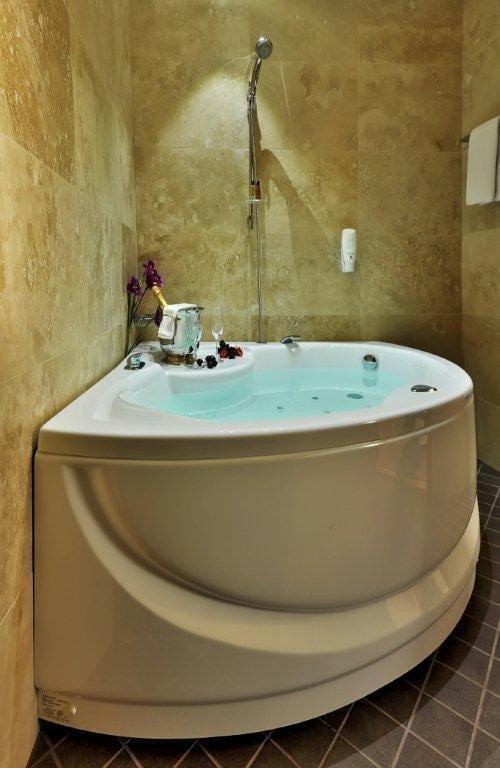 spa-jacuzzi-domicile