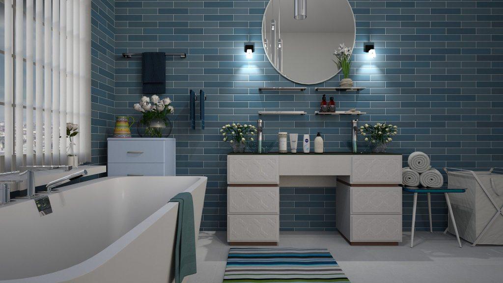 salle de bain dans les tons bleu